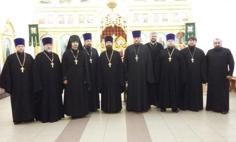 В Троицком храме Каменск-Шахтинского благочиния прошло собрания духовенства округа